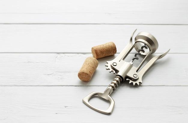 Saca-rolhas de metal para vinho e cortiça