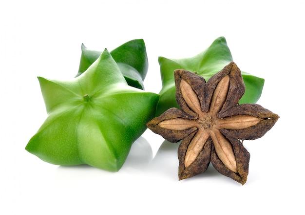 Sacha inchi em branco, sementes de cápsulas frescas frutas de amendoim sacha-inchi