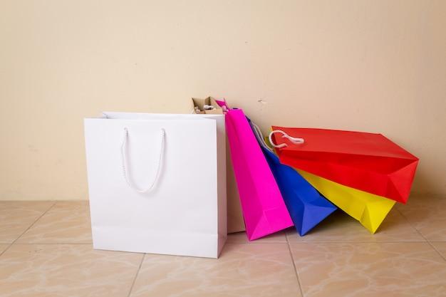 Saco de compras e espaço de cópia para texto simples ou produto