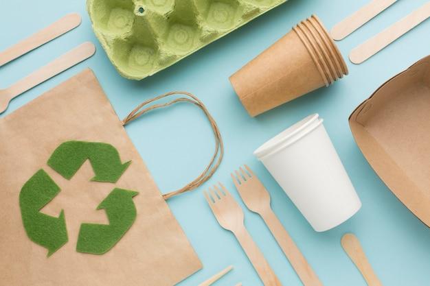 Saco de ecologia e pratos de mesa