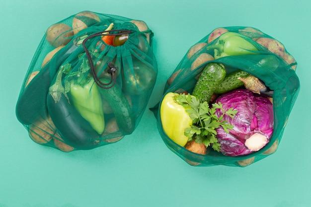 Saco de malha de vegetais diferentes