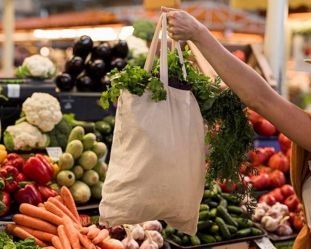 Saco de vegetais saudáveis