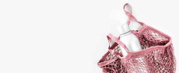 Saco reutilizável de vista superior com garrafa térmica