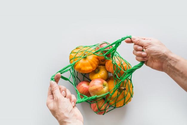 Sacola de compras com resíduos zero laranja