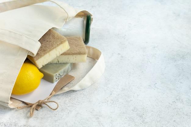 Sacola de compras reutilizável com ferramentas de limpeza