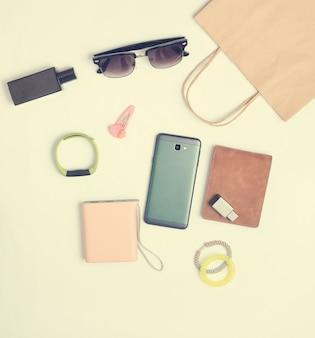Sacos de papel e muitas compras de gadgets e acessórios