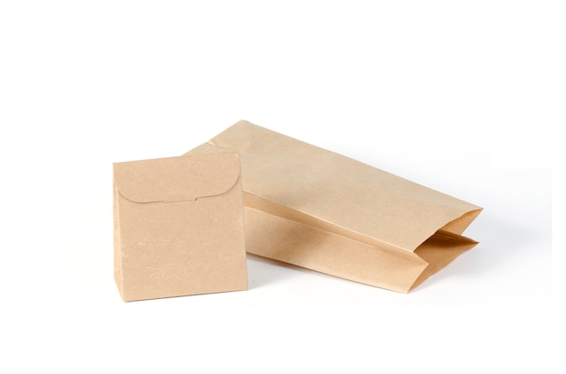 Sacos de papel isolados