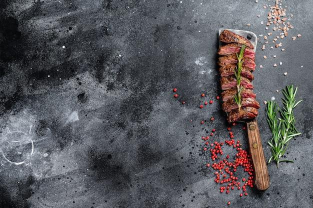 Saia grelhada, bife facão. marble meat beef .. copie o espaço
