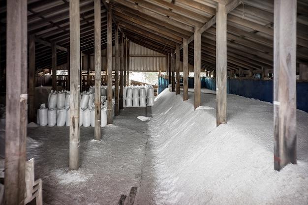 Sal armazenado no antigo armazém