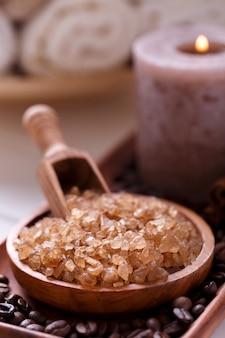Sal de banho de café aromático