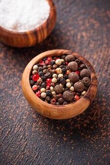 Sal e pimenta. fundo culinário