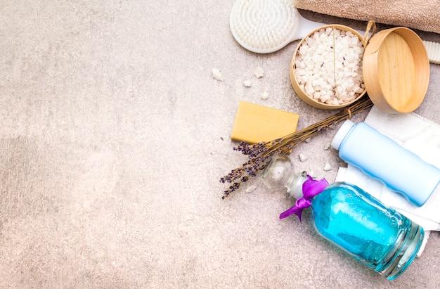Sal marinho com lavanda, sabão natural de oliva, gel de banho e escova