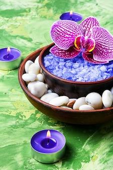 Sal marinho e orquídea