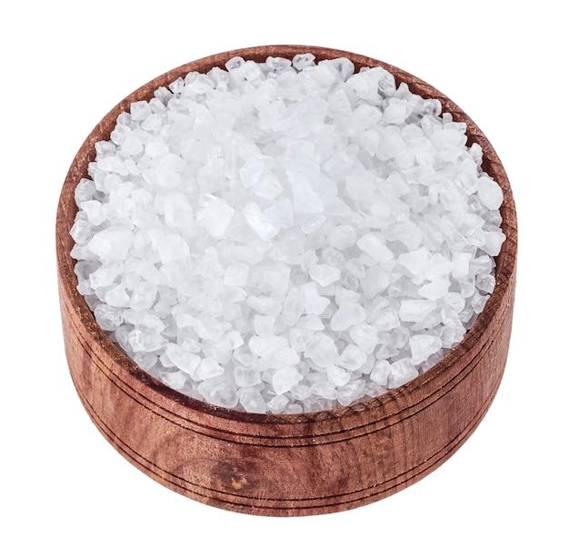 Sal marinho isolado no branco