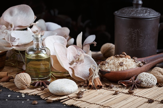 Sal marinho natural com grãos de café, canela e estrela de anis