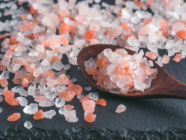 Sal rosa do himalaia em cristais