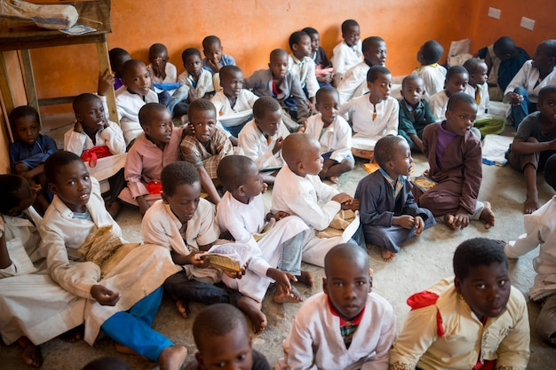 Sala de aula africana com crianças 10/12/2018 zanzibar