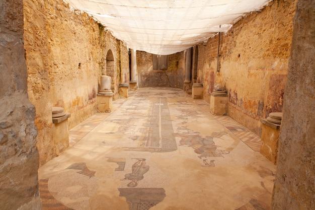 Sala de duas abside, da villa romana del casale, piazza armerina