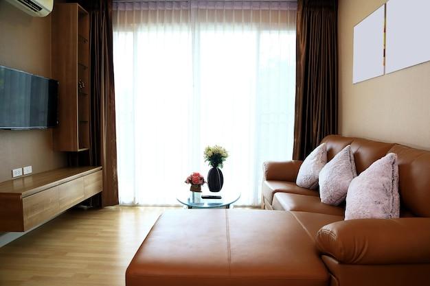 Sala de estar de luxo em condomínios.