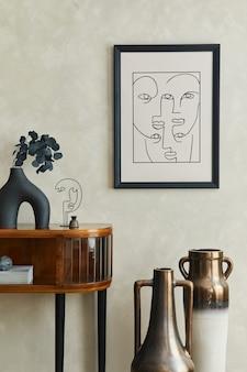 Sala de estar elegante com cômoda com moldura de pôster e modelo de acessórios pessoais