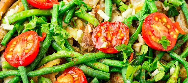 Salada com aspargos