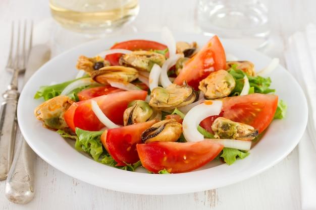 Salada com mexilhões