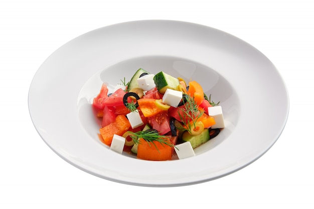 Salada com tomate fresco, pepino, pimenta, azeitonas e mussarela