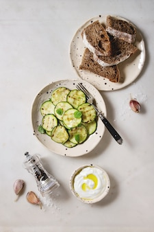 Salada de abobrinha grelhada