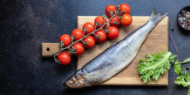 Salada de arenque fatia cebola salgadinho frutos do mar