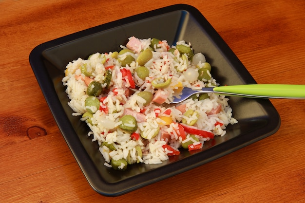 Salada de arroz com legumes