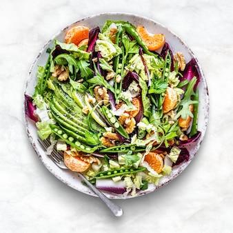 Salada de ceto com superalimento estilo de vida saudável