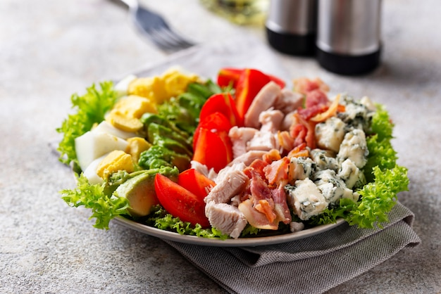 Salada de cobb, comida americana tradicional
