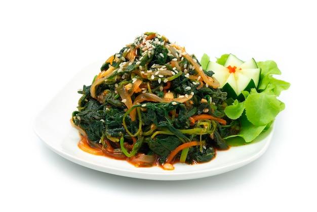 Salada de espinafre com óleo de gergelim sigeumchi namul acompanhamento de comida coreana