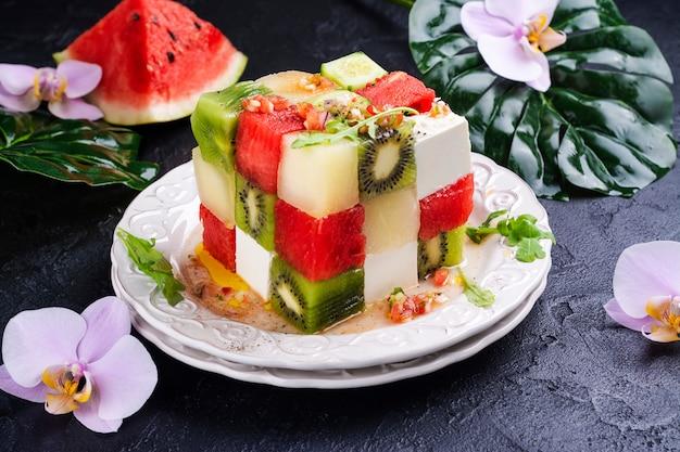 Salada de frutas cubo