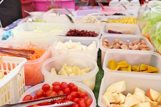 Salada de frutas no mercado