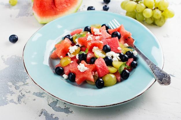 Salada de melancia fresca com queijo feta