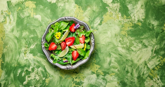 Salada de morango fresca