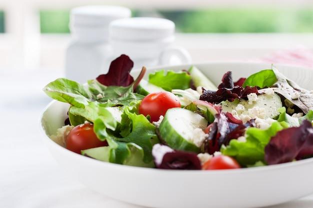 Salada de pepino e tomate