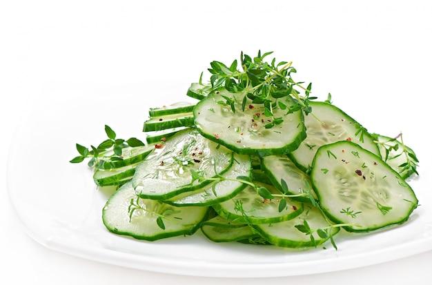 Salada de pepino fresco
