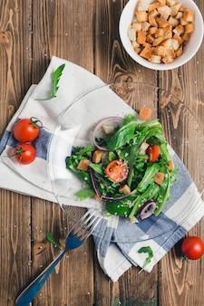 Salada de rúcula com tomate