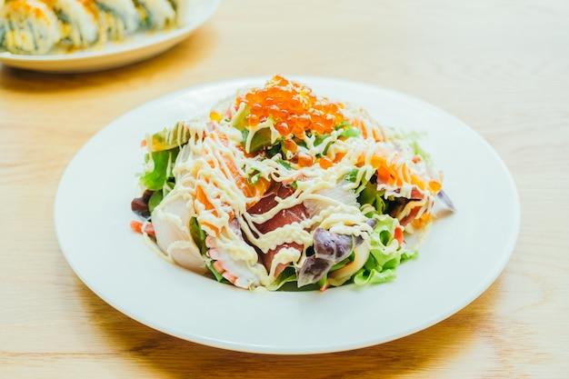 Salada de sashimi de marisco