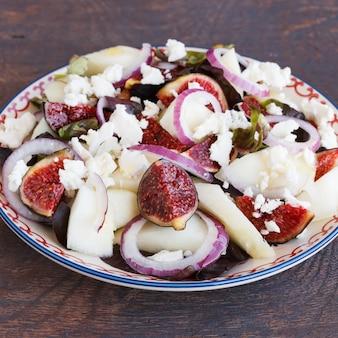 Salada de verão com figos e melão