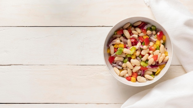 Salada deliciosa de feijão copiado