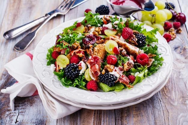 Salada deliciosa de verão