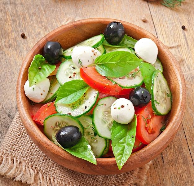 Salada grega de legumes frescos, close-up