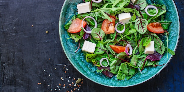 Salada grega, vegetais, queijo, lanche vegetariano