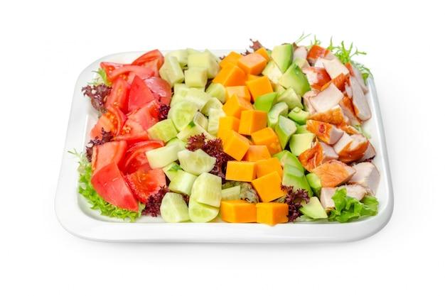 Salada isolada no branco