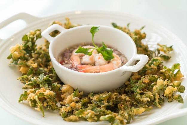Salada picante de agrião e agrião à água
