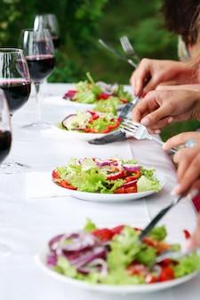 Salada verde fresca e saborosa