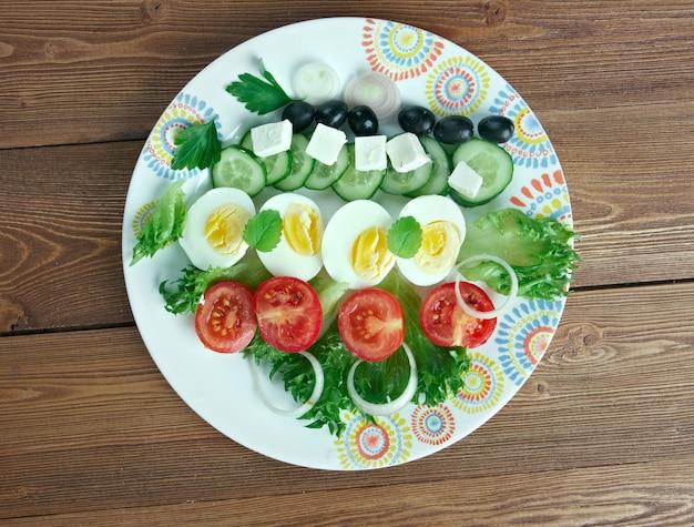 Salade composee du soleil - salada mediterrânea. cozinha francesa